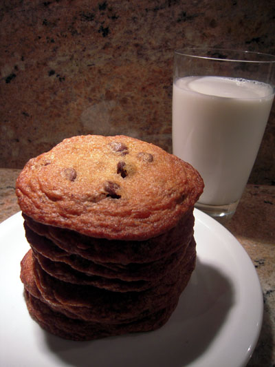 Chocolate chip cookies milk