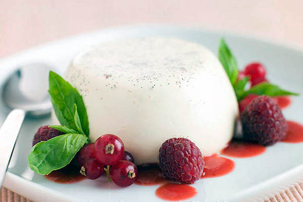 Vanilla Bean Panna Cotta With Raspberry Coulis Cook Like