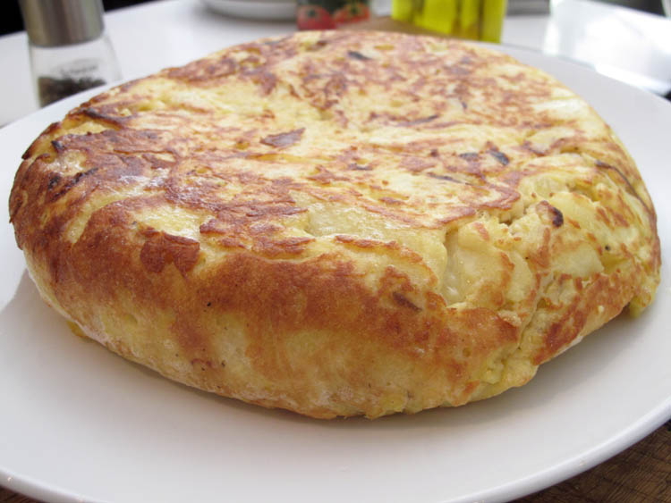 Tortilla de Patatas (Spanish Potato Omelet) - Cook Like James