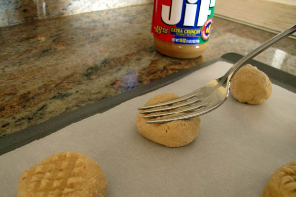 Peanut butter cookie press