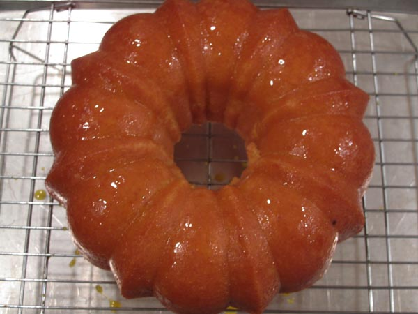 Orange cake glazed