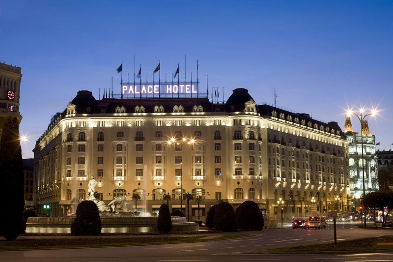 Palace hotel night