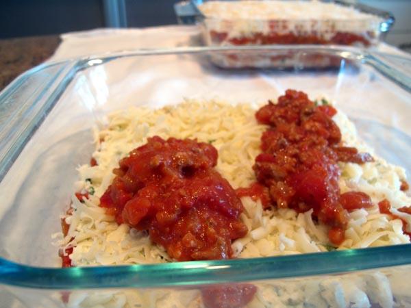 Lasagna sprinkle sauce