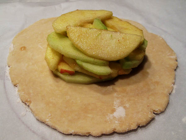 Apple on tart dough