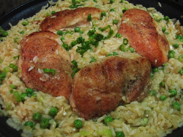 Chicken rice peas skillet