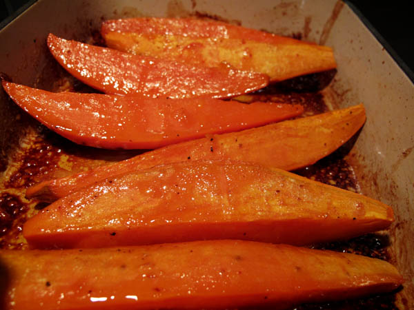 Glazed sweet potatoes pan