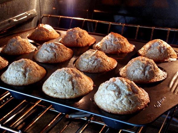 Doughnut muffins baking