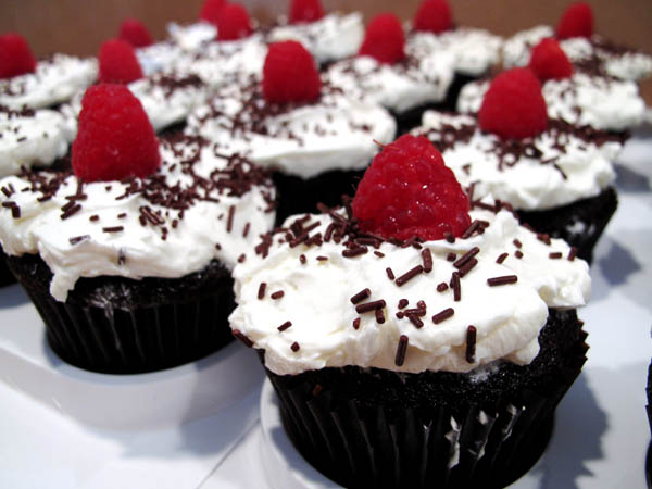 Dark Chocolate Cupcakes 1