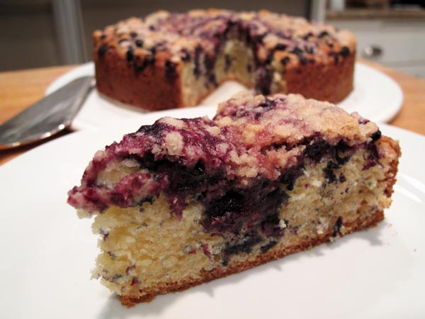 Blueberry buckle slice