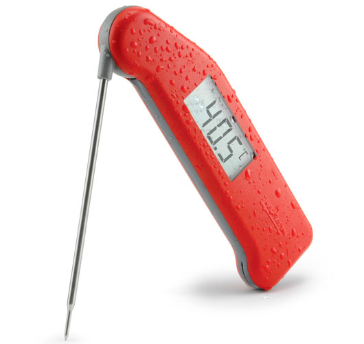 SplashProofThermapen-Red-with-water