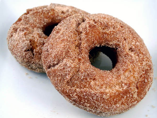 Cinnamon Sugared Buttermilk Doughnuts2