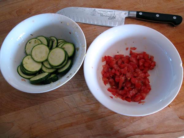 Fish in foil tomato zucchini
