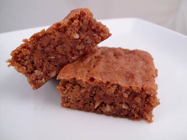 Chewy Nut Blond Brownies