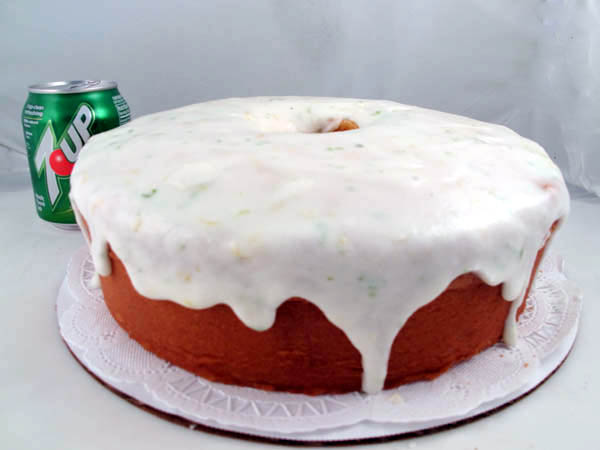 7up pound cake moist 7up lemon lime pound cake cook like 1182