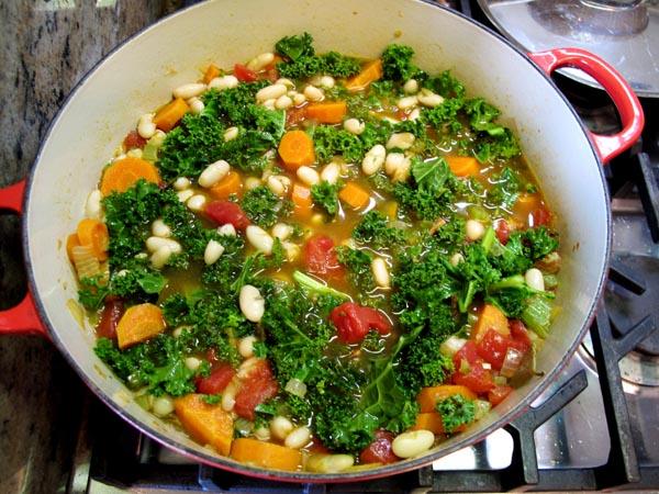 Tuscan Bean Soup pot