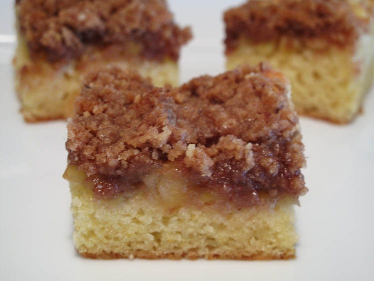 Apple Crumble Coffe Cake square