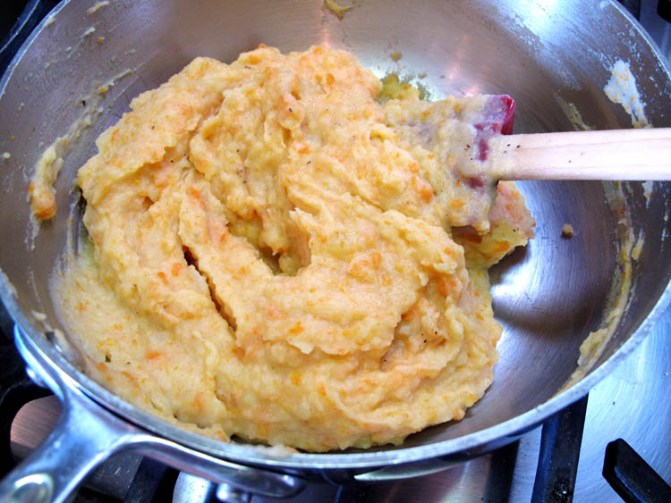 Carrot Mashed Potatoes pan