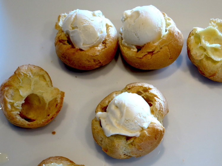 Profiteroles open