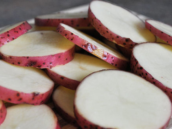 Sliced red potatoes1