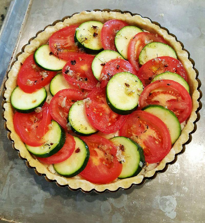 Tomato zucchini tart prebake