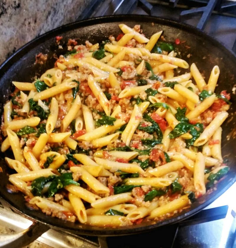 Pasta Turkey  Sausauge Sun Dried Tomatoes pan1