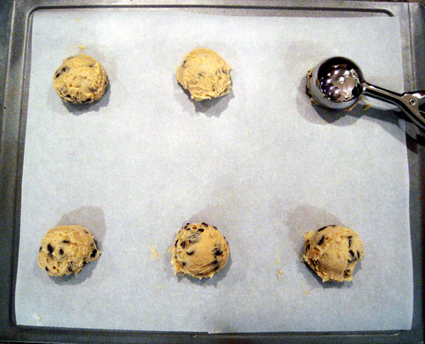 Thin Crispy Chocolate Chip Cookies dough balls